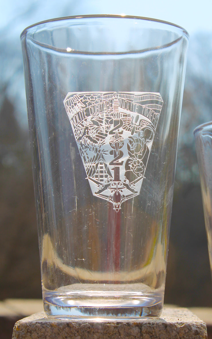 USAFA US Air Force Academy- Set of 4 - 16oz Pint Drink Glasses Custom Sand Carved - Samstagsandmore