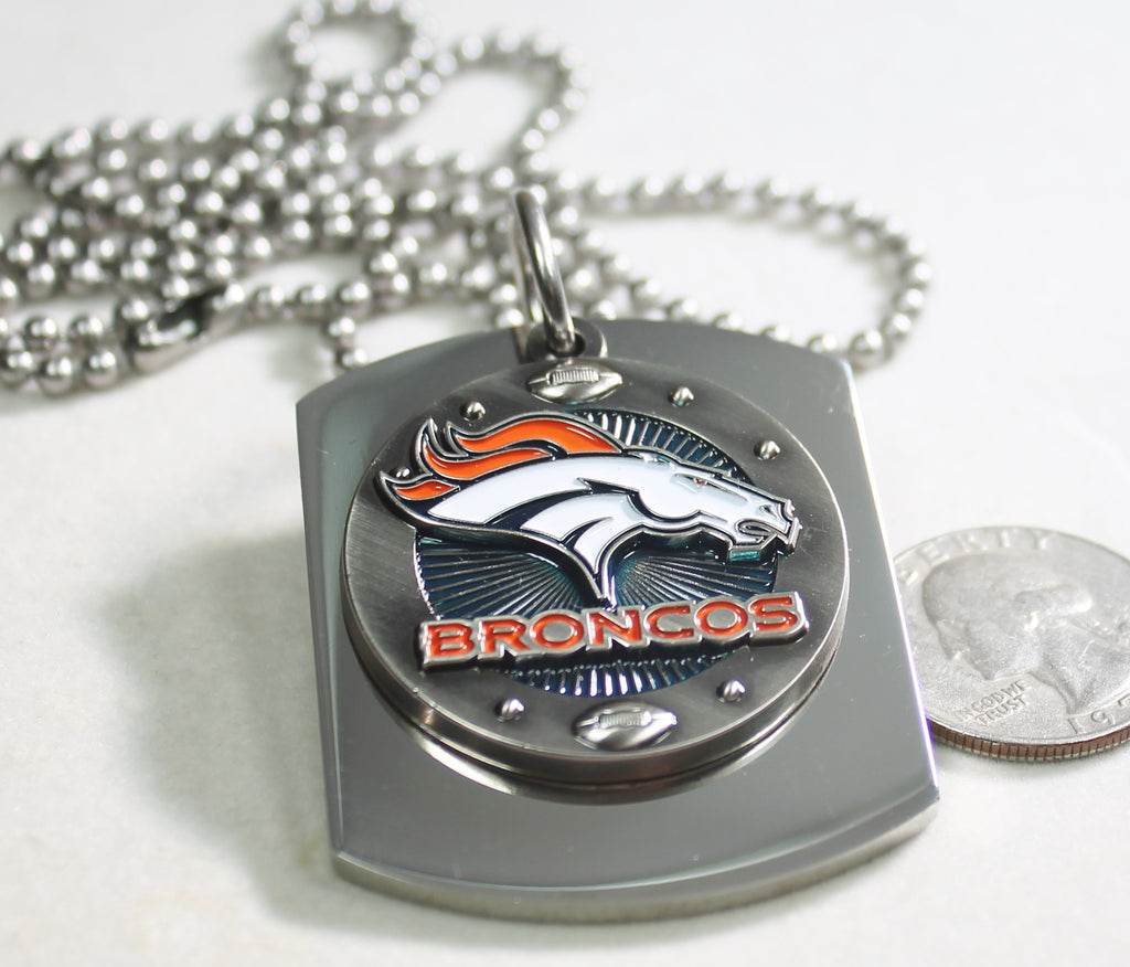 NFL DENVER BRONCOS X LARGE PENDANT ON THICK STAINLESS STEEL DOG TAG