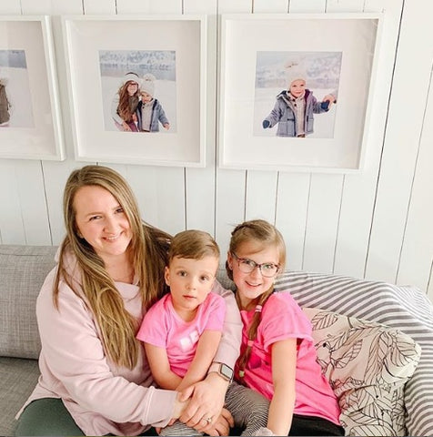 Photo of Jen from @mamapapabubba and her kids smiling at the camera