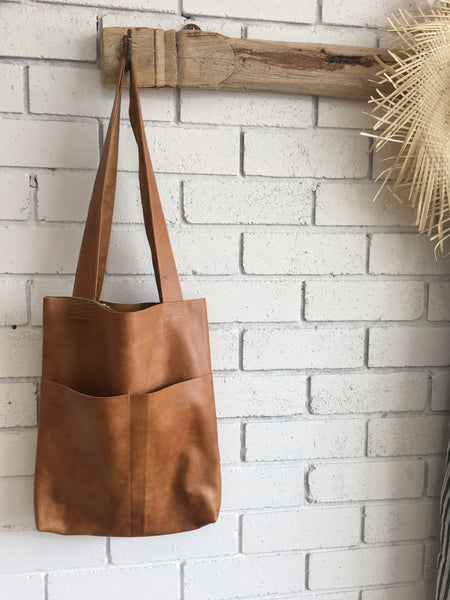 LEATHER TOTE | Tan