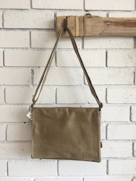 LEATHER SATCHEL | Grass