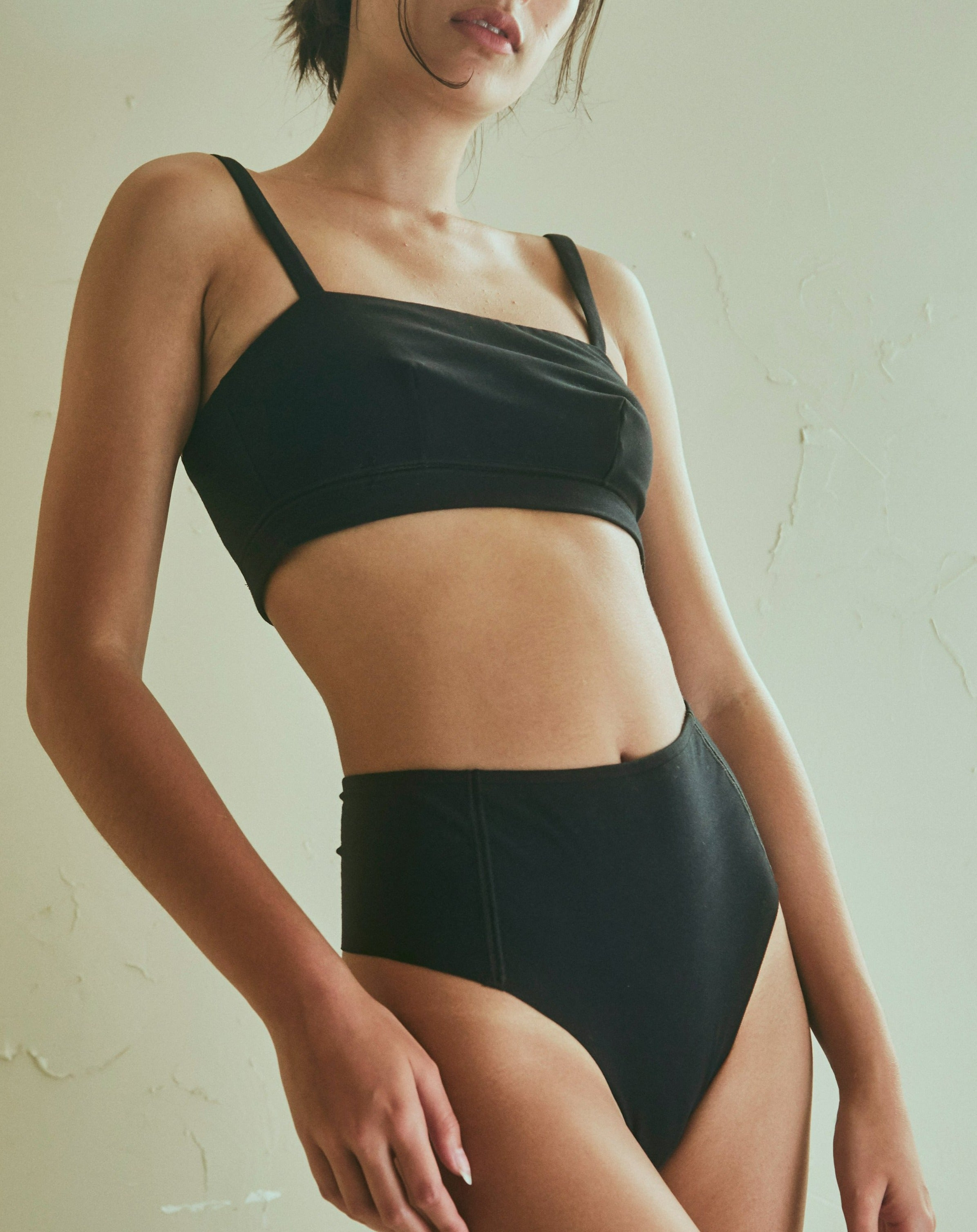 Forma Hi Waist Thong in Black
