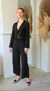 Gia Straight Leg Pant in Black