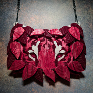 Tiger Necklace (Profondo Rosso) by Sstutter