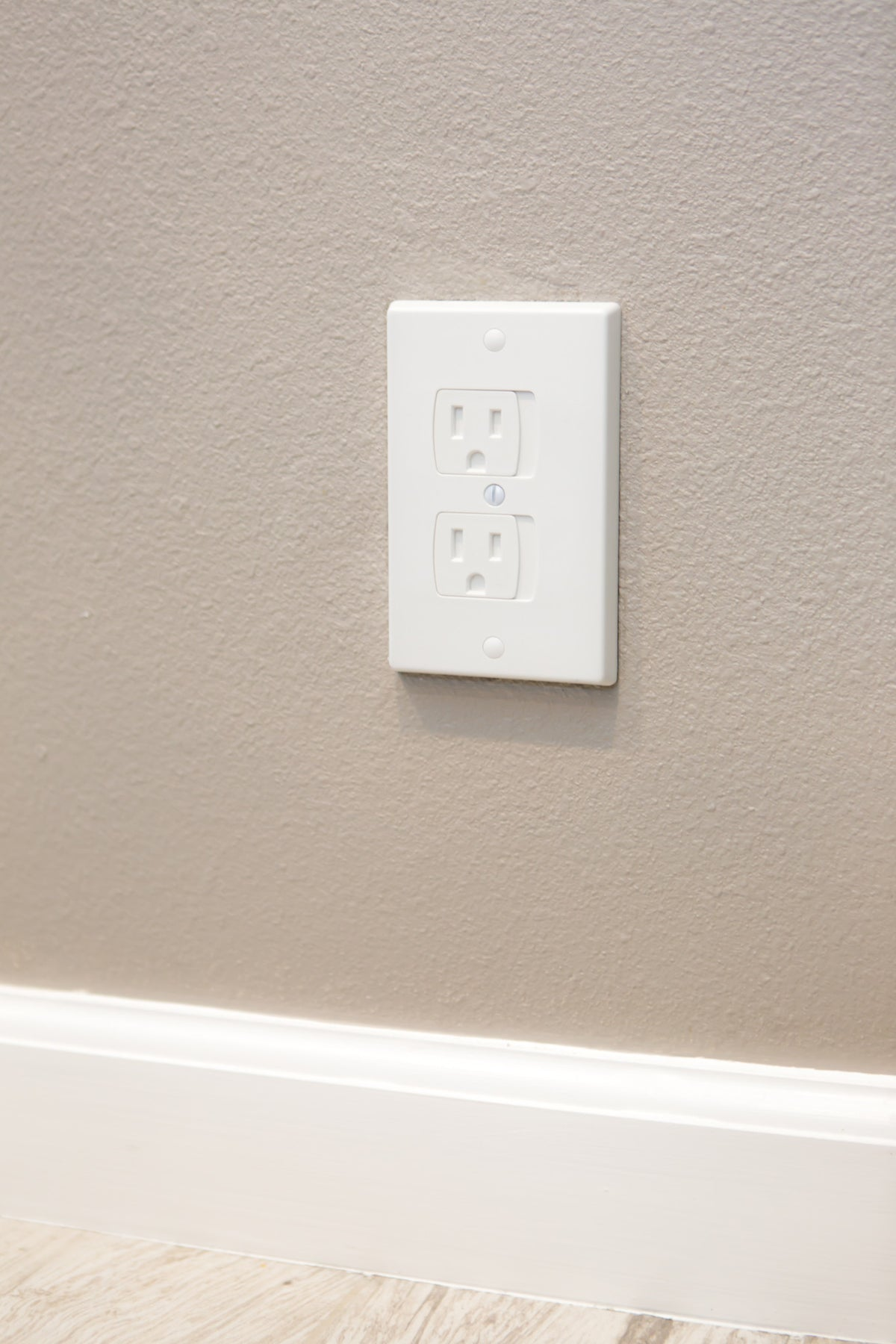 White Electrical Outlet Covers Fair Selfclosing Electrical Outlet Covers  4 Pack White  Jessa Leona Design Inspiration