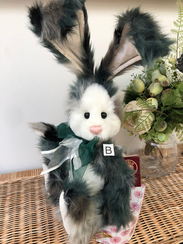 Pipe Dream Isabelle Collectable Teddy Bear No 83