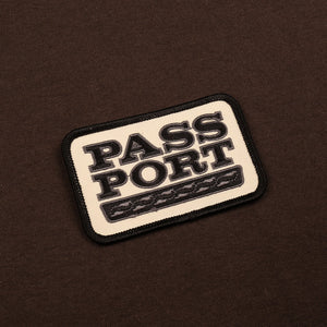 "PASS~PORT ""AUTO"" PATCH TEE CHOCOLATE"