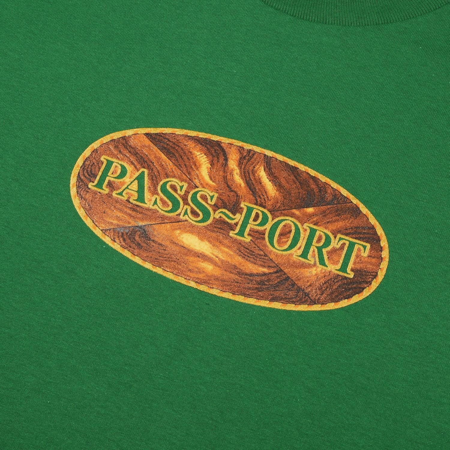 "PASS~PORT ""INLAY"" TEE KELLY GREEN"