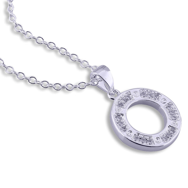 Plated Silver Circle Necklace.