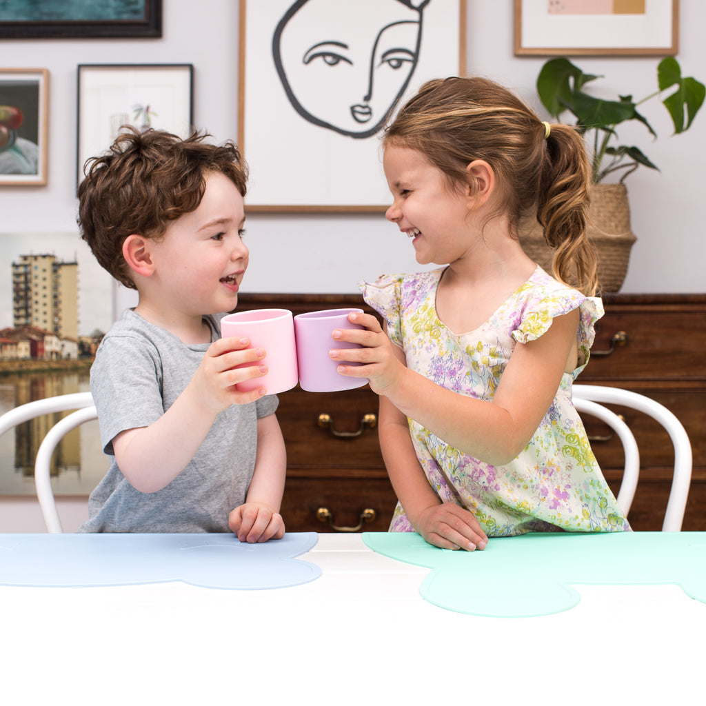 kids drinking cups made of silicone
