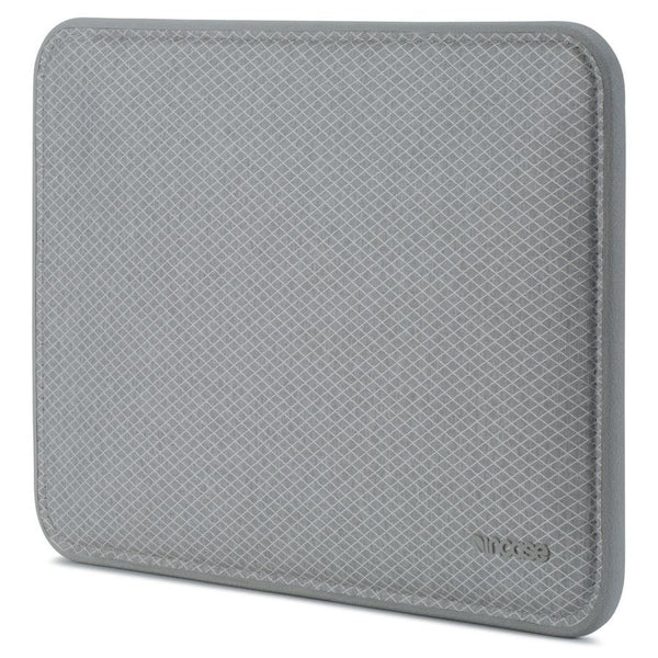 Incase ICON Sleeve with Diamond Ripstop for MacBook 12