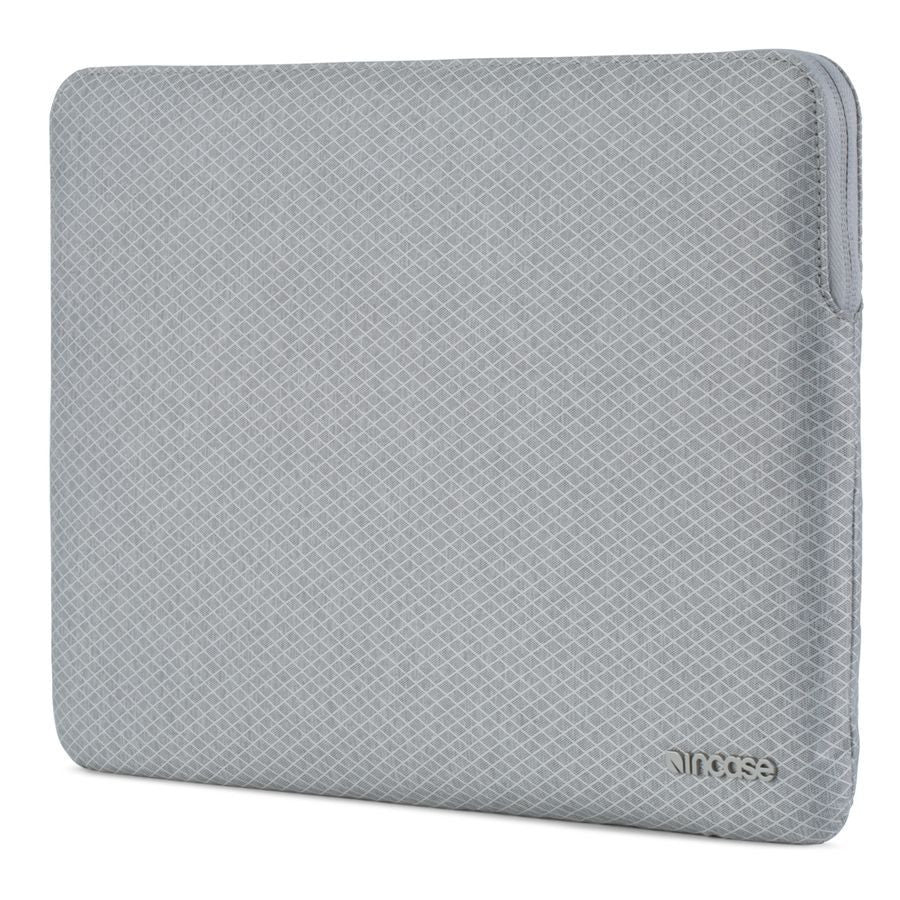Incase Slim Sleeve with Diamond Ripstop for MacBook Air 13""