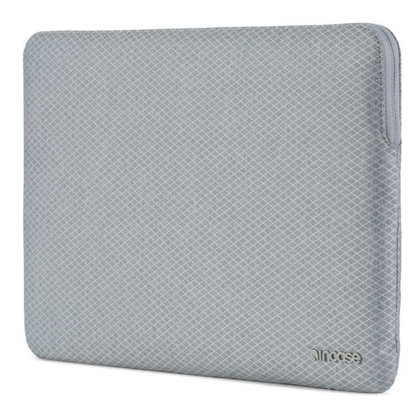 Incase Slim Sleeve with Diamond Ripstop for MacBook Air 13