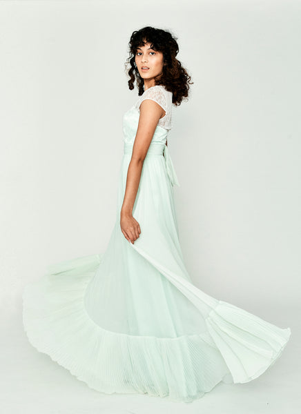 Gladiola Lace Gown