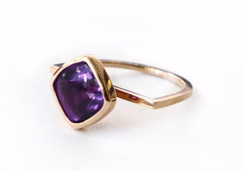 Bezel setting amethyst gold semi ring