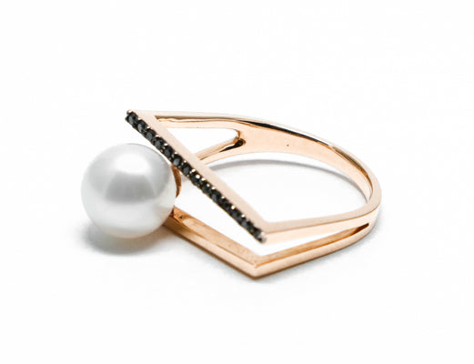 Black diamond pearl duo ring