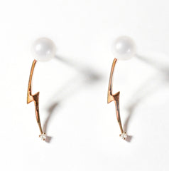 Venus pearl diamond bolt earrings