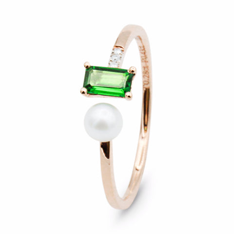 Follow Me tsavorite pearl gold ring