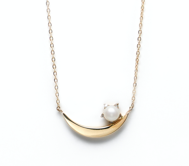 .Luna pearl gold necklace