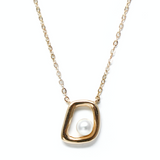 .Amid pearl gold necklace