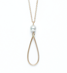 .Pearl drop gold necklace