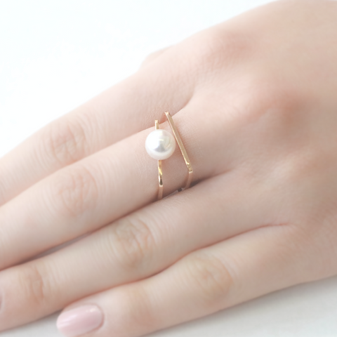 Square pearl gold ring