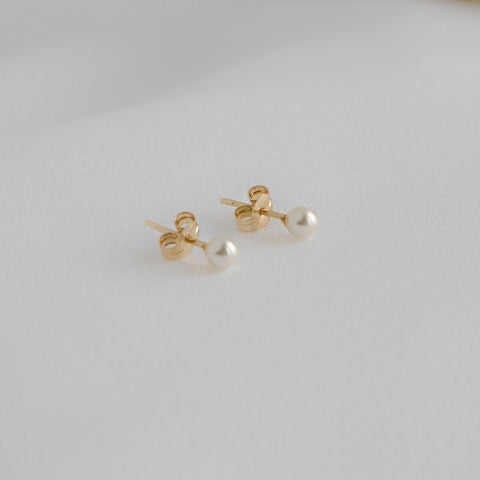 Aries Pearl Earrings - MOVIDA