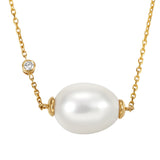 Untold pearl necklace