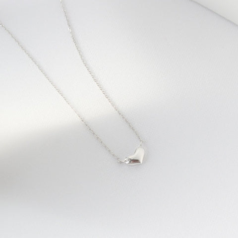 Petite Heart Necklace - MOVIDA