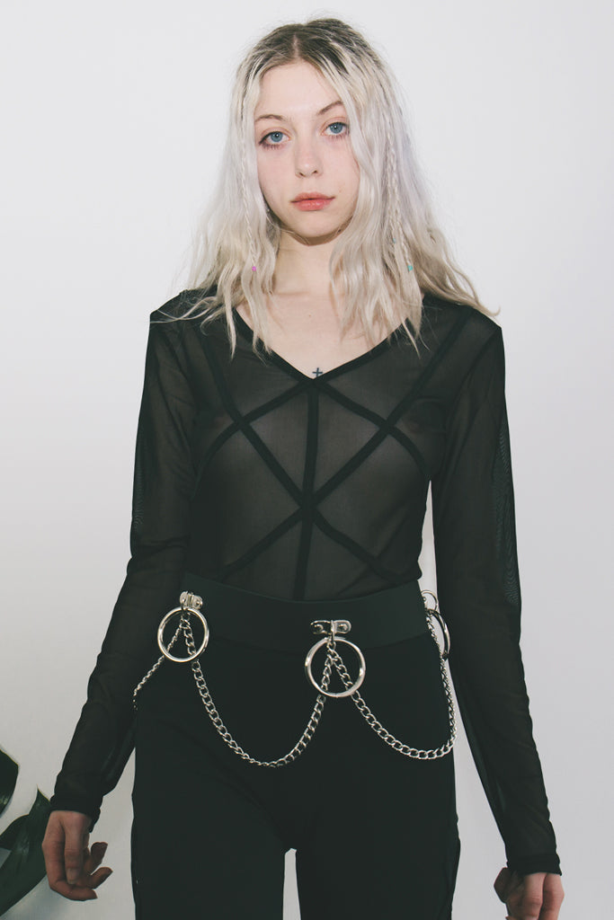 black leather hoop and chain belt london mary wyatt