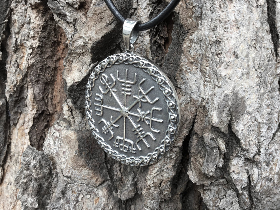 925 Sterling Silver Vegvisir Icelandic Magical Staves Compass Pendant - SilverMania925