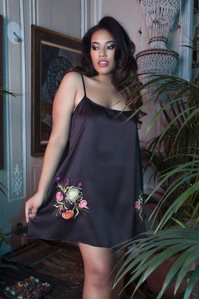Jasmin Embroidered Chemise Curve - Seconds