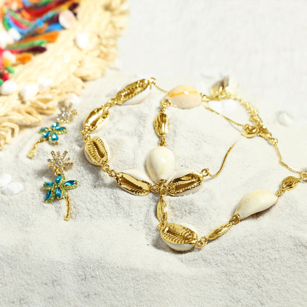 GLOW SOCIETY Ocean Breeze Collection - Cowrie Shells Adjustable Bracelet