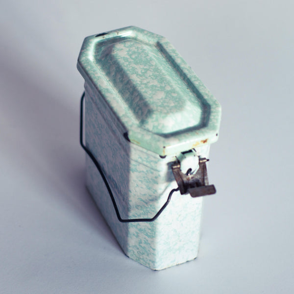 § Mint French Enamel Worker's Lunchbox