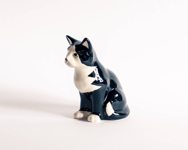 § French Retro Kitsch Cat Figurine