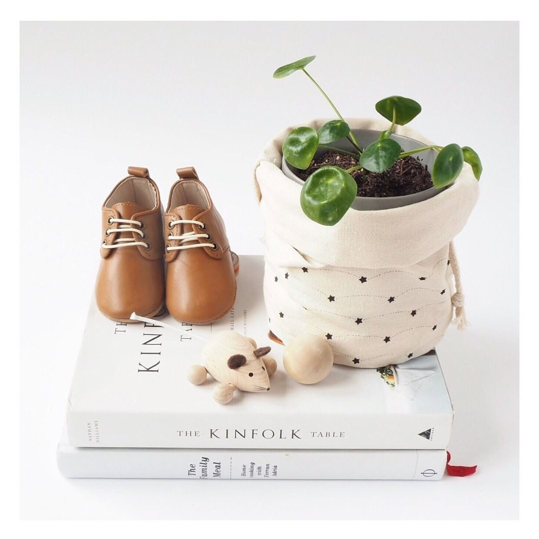 Great examples of bab shoes that fit perfectly using our handy sizing and conversion chart guide - Kit & Kate