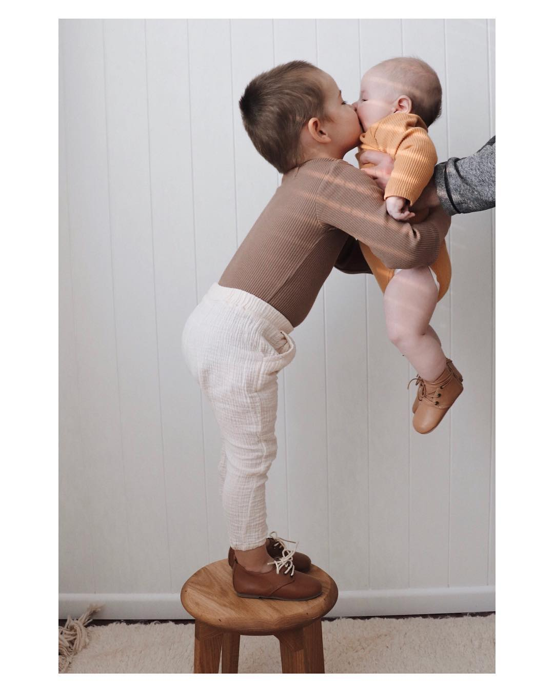 Quality_baby_shoes_for_children,_toddlers_and_babies._Soft_soles,_natural_leather _4706_width=480x480