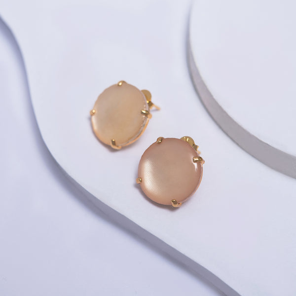 Stud Earrings in Yellow Gold Filled with Rose Pearl
