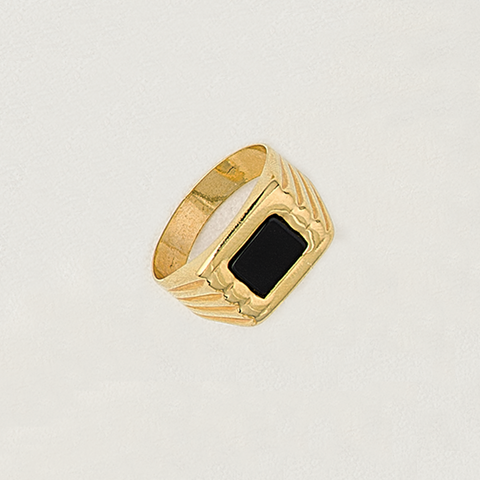 Ring in Yellow Gold Filled & Black Gemstone