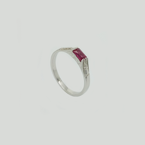 Band in White Gold Filled with Red Gemstone