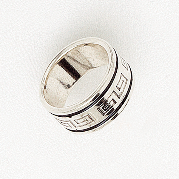 Band Ring in White Gold Filled With Black Enamel & Greek Key