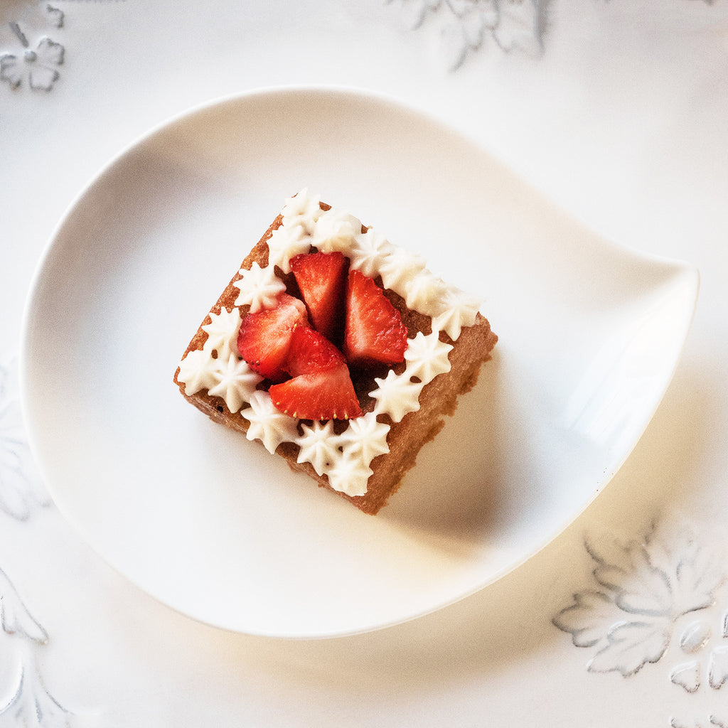 Signature Strawberry Vanilla Vegan Minicake