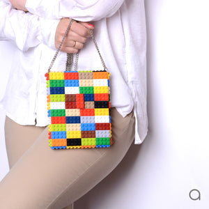 Multicolor hip clutch on a chain