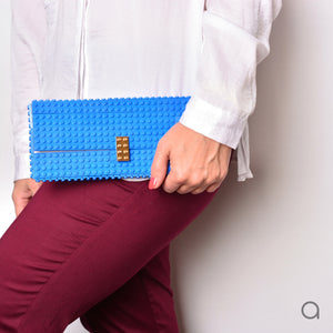 Blue clutch with goldplated lock