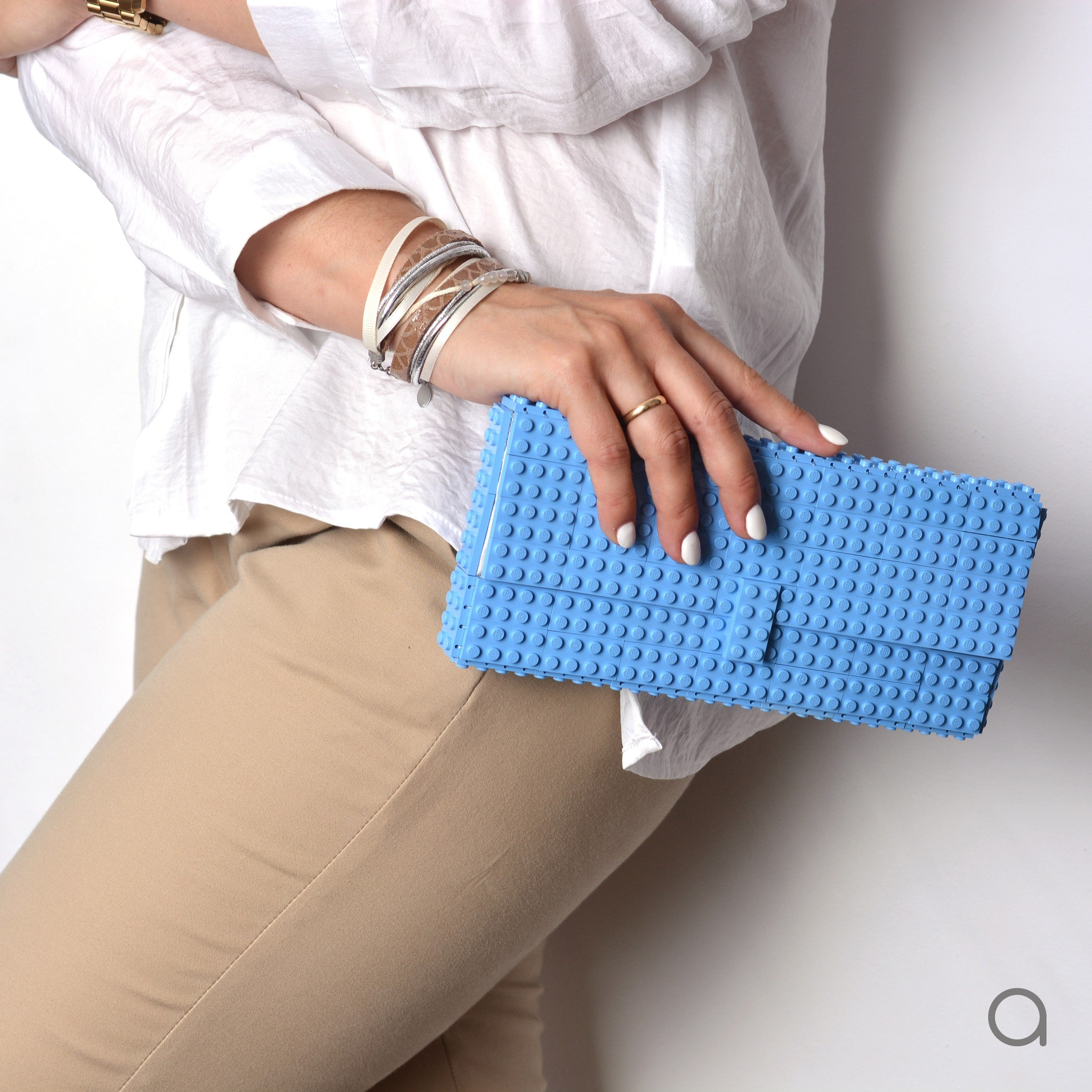 e1a52ea0f0 Light blue clutch – agabag