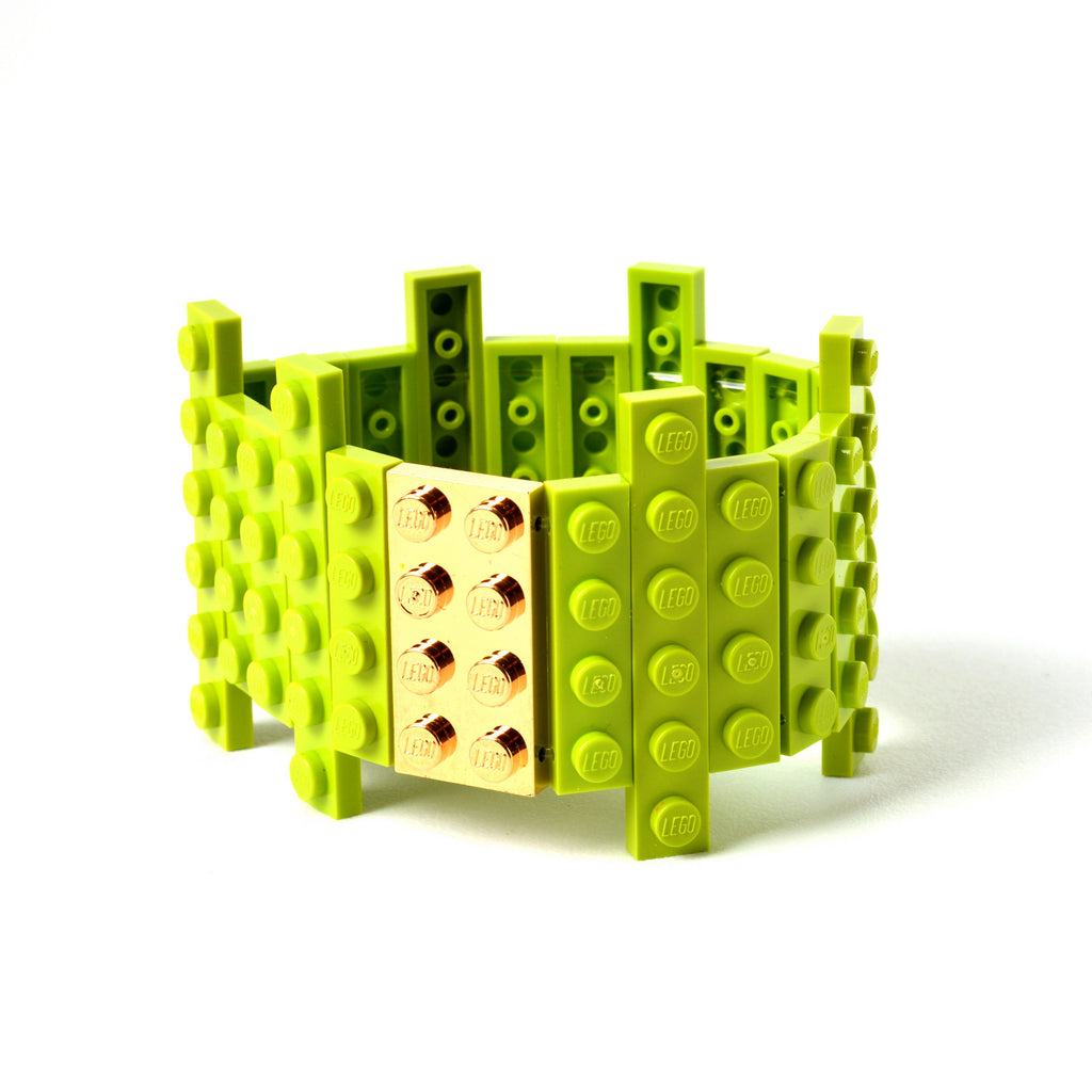 Lime flat bracelet with goldplated brick