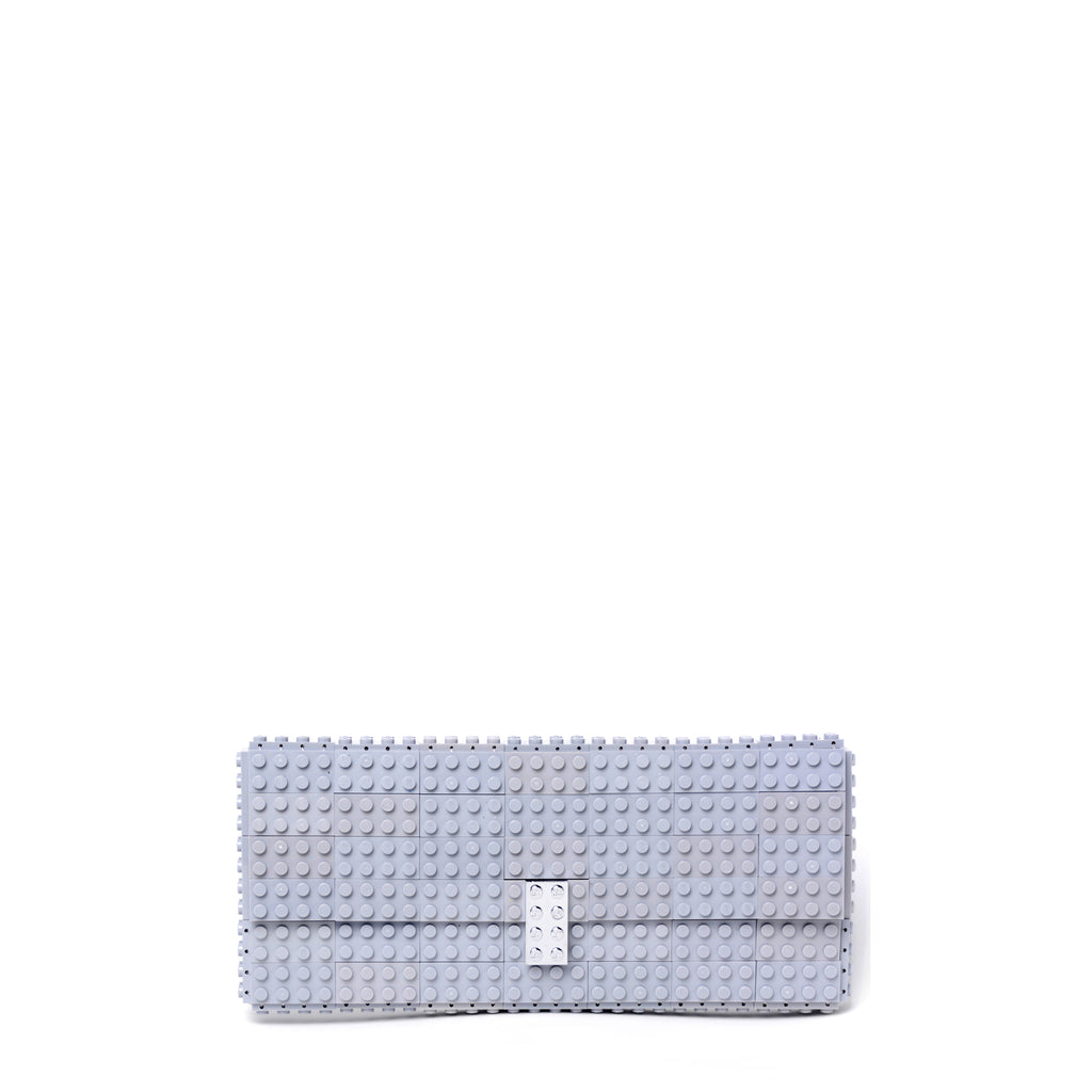 Light grey clutch with chromed lock