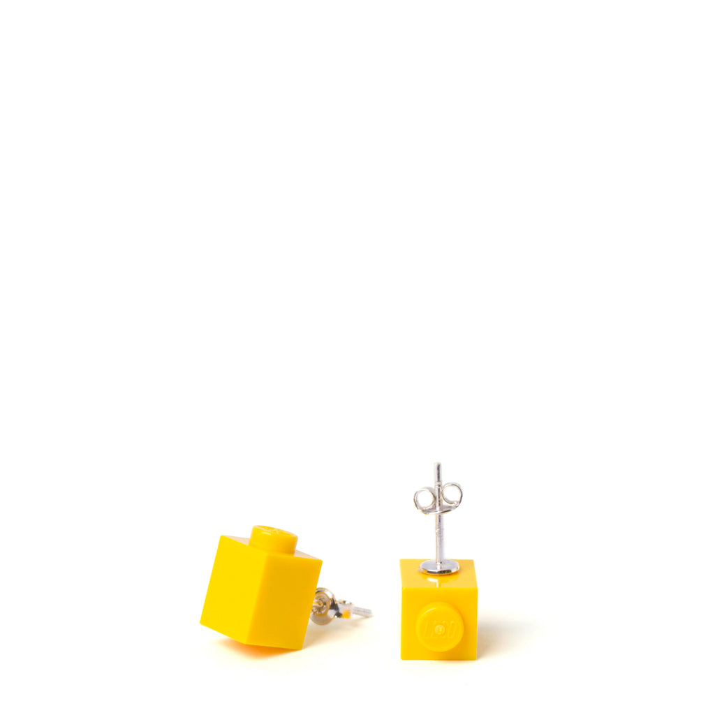 yellow brick studs