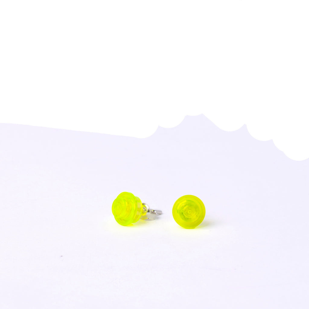 transparent lime small round studs
