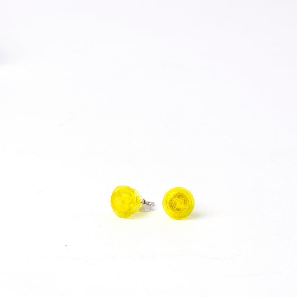 transparent yellow small round studs